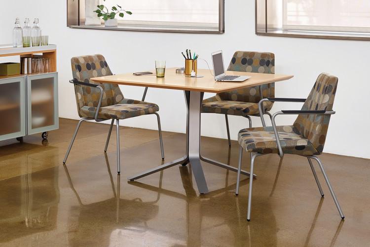 RMD_Vero-Meeting-Table_Nios-Guest-1200x800